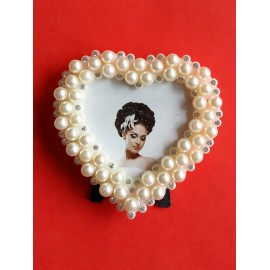 Frame heart shape with pearls